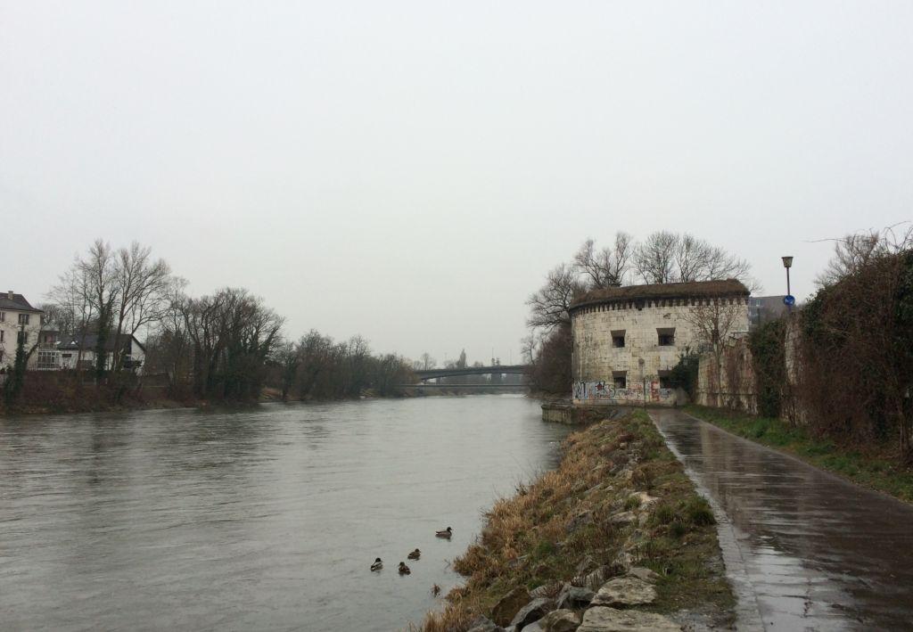 Spaziergang an der Donau in Ulm