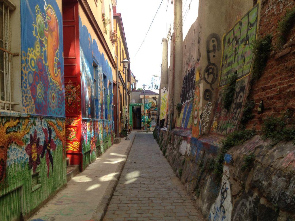 Streetart in Valparaíso, enge Gasse