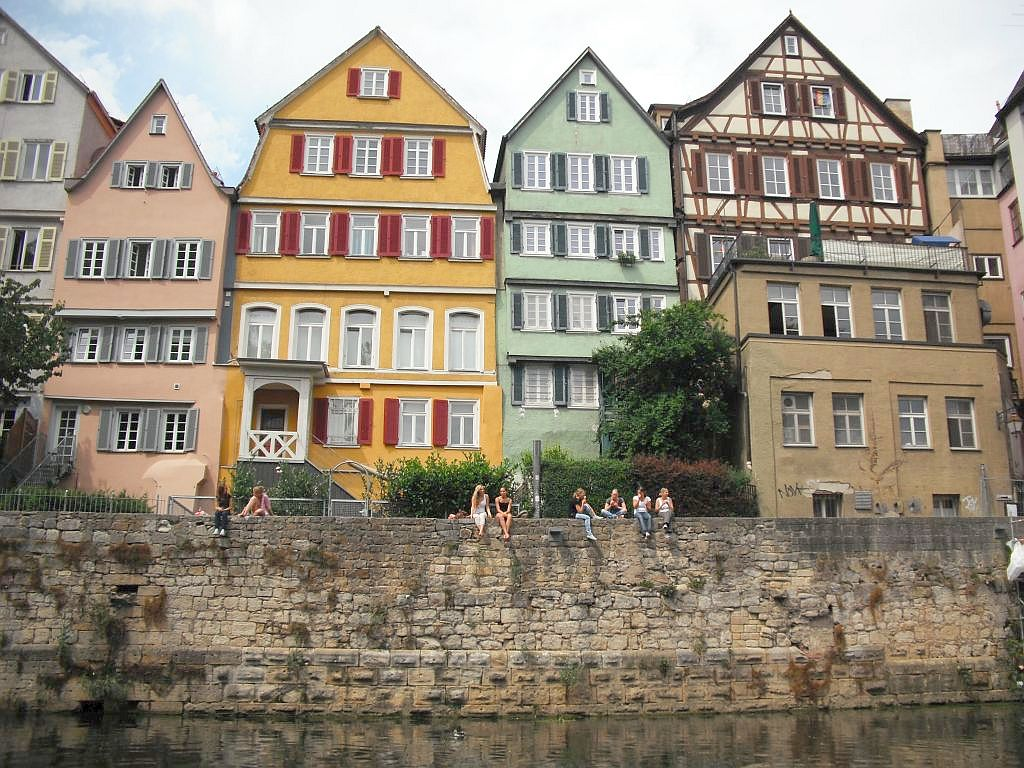 Die Uferpromenade in Tübingen
