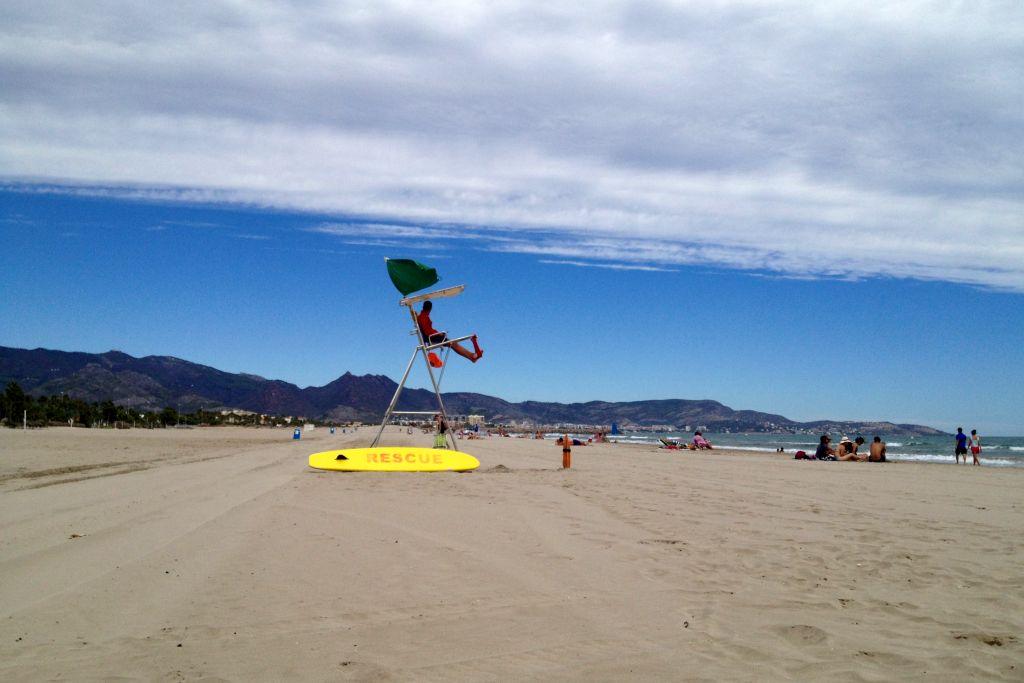 Rettungsschwimmer am Strand in Castellón