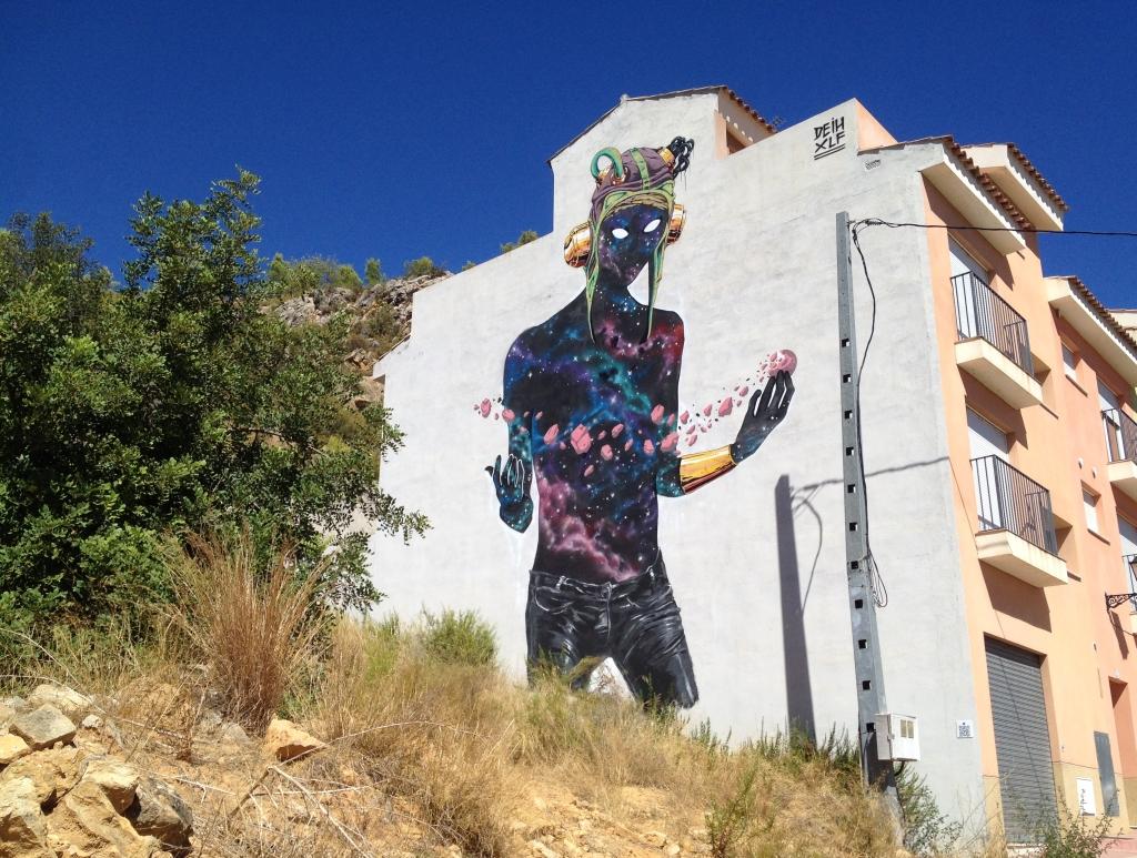 Gemälde an einer Fassade in Fanzara MIAU