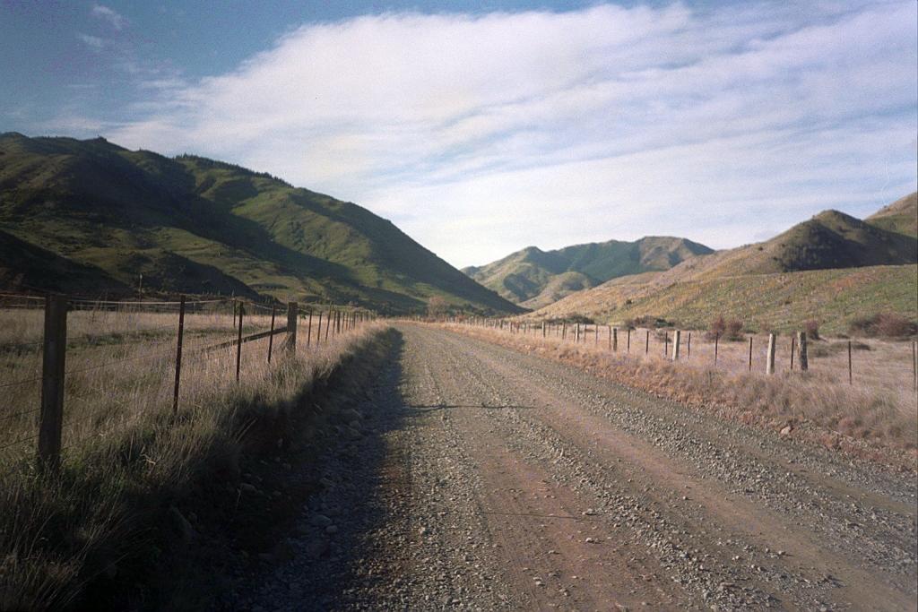 Schotterstraße in Neuseeland