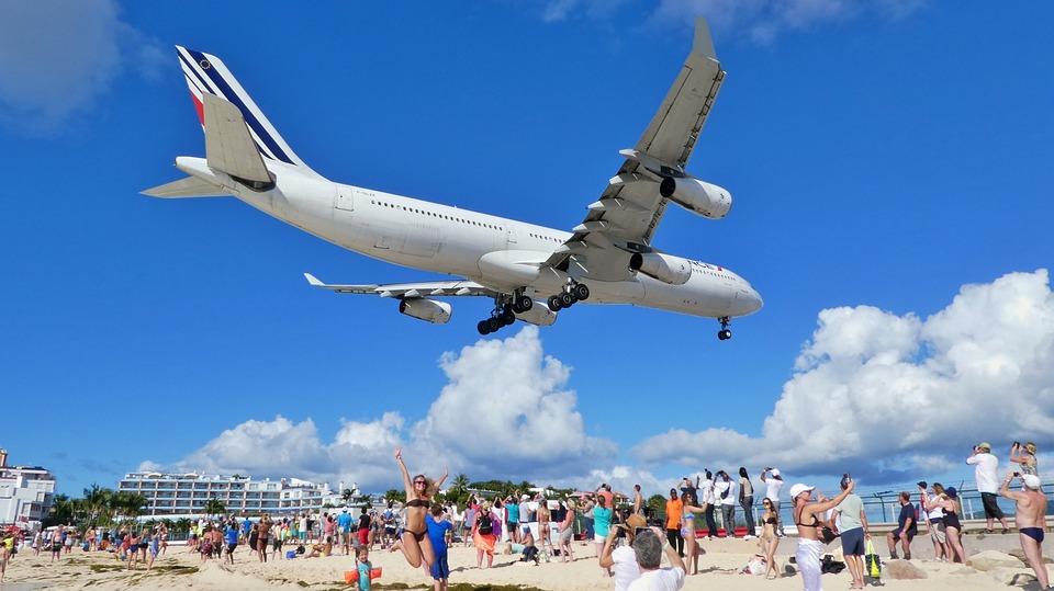 Flughafen auf St. Maarten, Maho-Beach