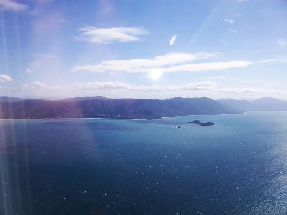 Die Küstenlinie Australiens aus dem Flugzeug
