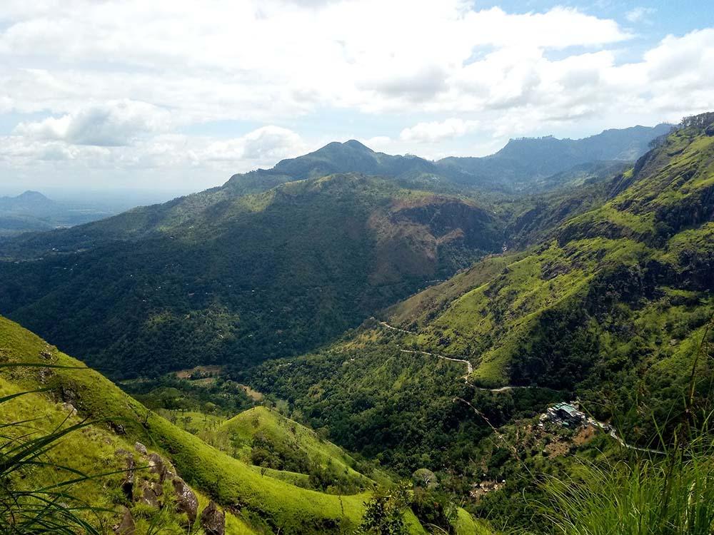 Grüne Berge in Sri Lanka